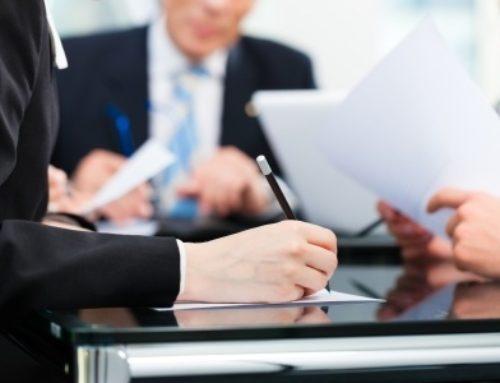 ¿ Es válida la cláusula suelo si un familiar directo es empleado del banco?